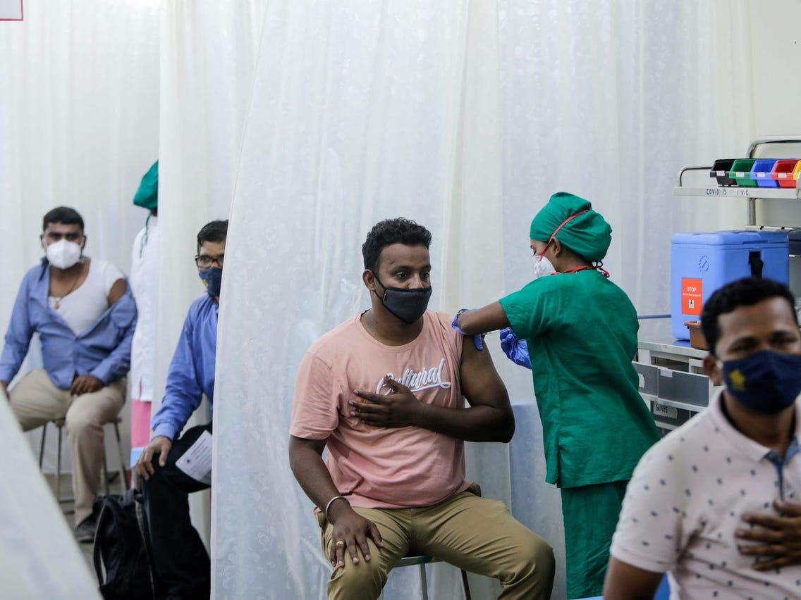 वैक्सीन की पहली खुराक देने में भारत ने अमेरिका को पछाड़ा, अब तक इतने लोगों को पहली डोज