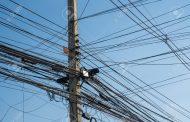 बिजली के पोलों से फाइबर व डिश केबलों को हटाये जाने के निर्देश जारी
