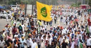 हरियाणा और पंजाब से हजारों किसानों ने राजभवन की तरफ किया कूच, बैरिकेड तोड़कर चंडीगढ़ में घुसे