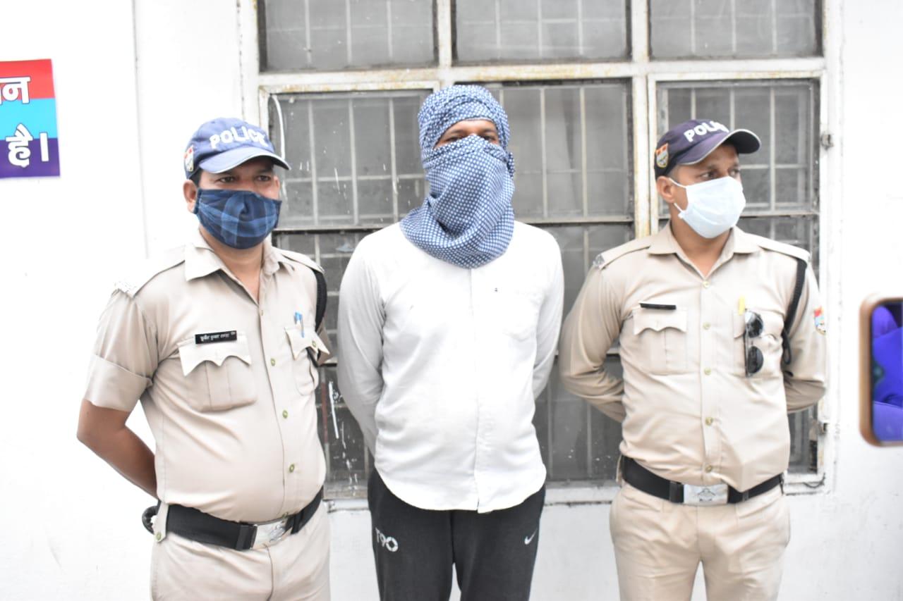 दोहरे हत्याकांड में मुख्य आरोपी गिरफ्तार, दो अन्य हिरासत में