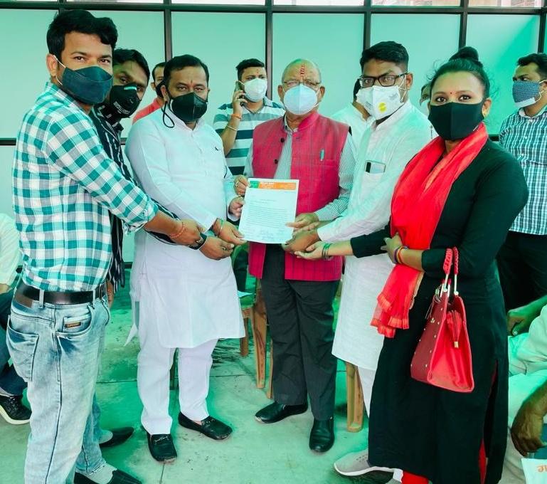 वाह री व्यवस्था : रम्पुरा में 13 हजार राशन कार्ड, राशन डिपो सिर्फ एक