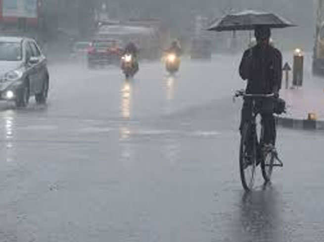 उत्तराखंड मौसम अपडेट : 48 घंटे में भारी बारिश की संभावना,कुछ जिलों के लिए रेड अलर्ट जारी