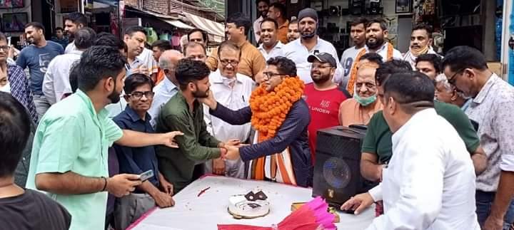 रुद्रपुर में धूमधाम से मनाया गया भाजपा जिलाध्यक्ष शिव अरोरा का जन्मदिन