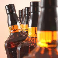 सड़क किनारे गाड़ी छोड़ शराब तस्कर फरार, तीन लाख की अवैध शराब बरामद