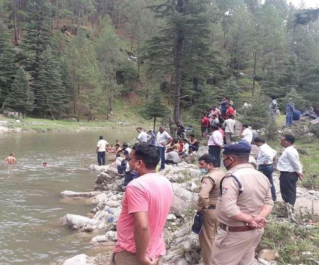 नहाने के लिए गंडक नदी में उतरे छात्र की डूबने से मौत