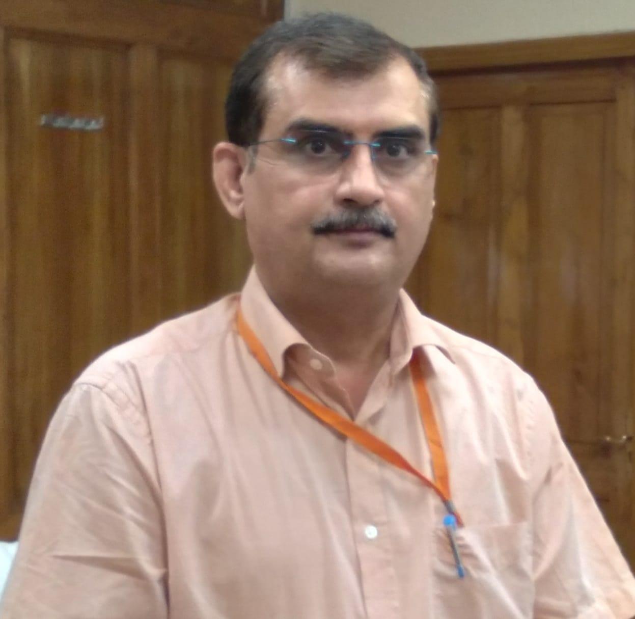 मुरली मनोहर जोशी से खास रहा है इनका नाता, प्रोफेसर रहे हैं खीरी जिले के नए सीडीओ