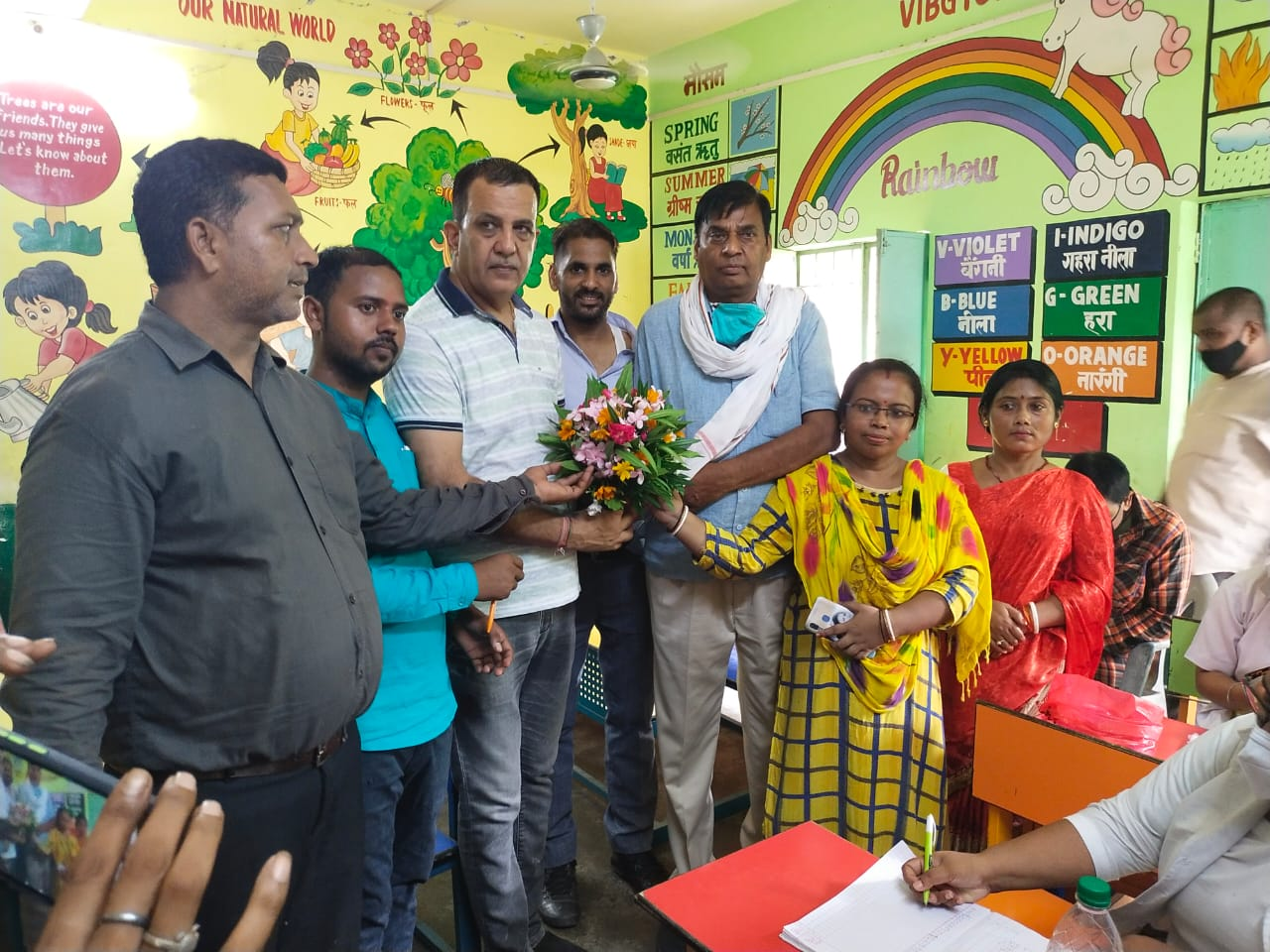 राजकीय प्राथमिक विद्यालय शिवनगर वार्ड नंबर 9 में वेक्सीनेशन कैंप का शुभारंभ