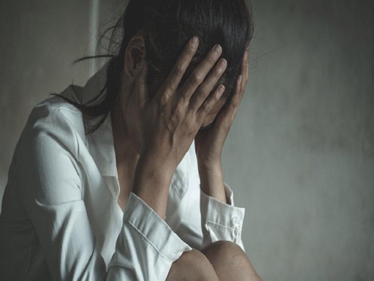 नशा मुक्ति केंद्र से भागी युवतियों के गंभीर आरोप, कहा- दुष्कर्म करता था संचालक, महिला आयोग भी सक्रिय