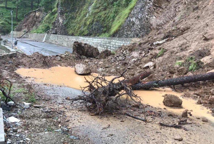 उत्तराखंड : ऑरेंज अलर्ट के बीच अधिकतर इलाकों में हुई बारिश, बदरीनाथ और यमुनोत्री हाईवे बंद