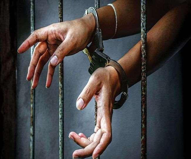 दोस्त ने ही की मेस ठेकेदार के घर से चोरी, पुलिस ने गिरफ्तार कर बरामद किए 1.77 लाख