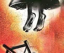 रामनगर : प्रेम प्रसंग में 11वीं की छात्रा ने फंदे पर लटककर की खुदकुशी ! स्वजनों ने कहा हत्या हुई